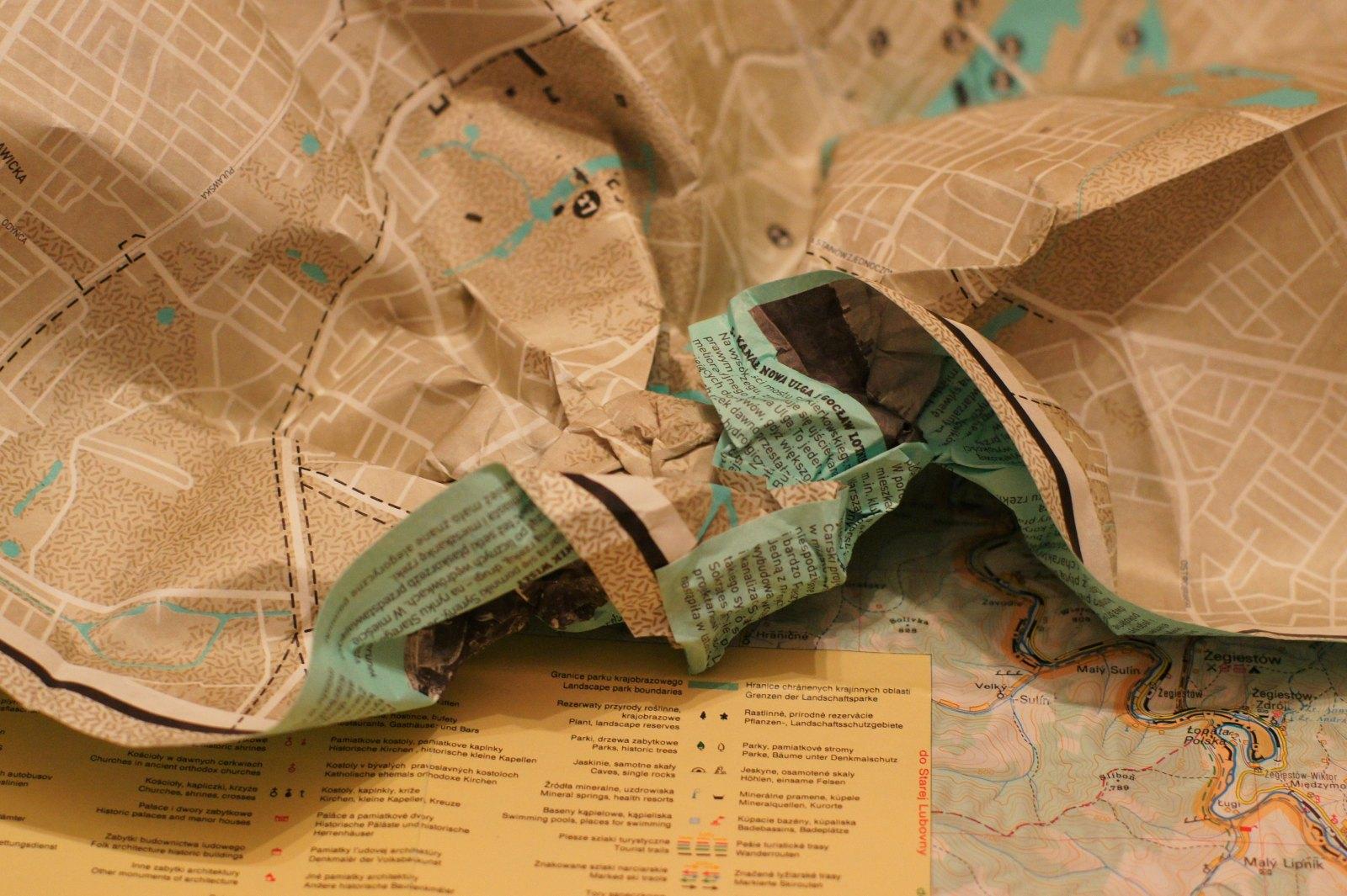 Mapa Tyvek - zgnieciona